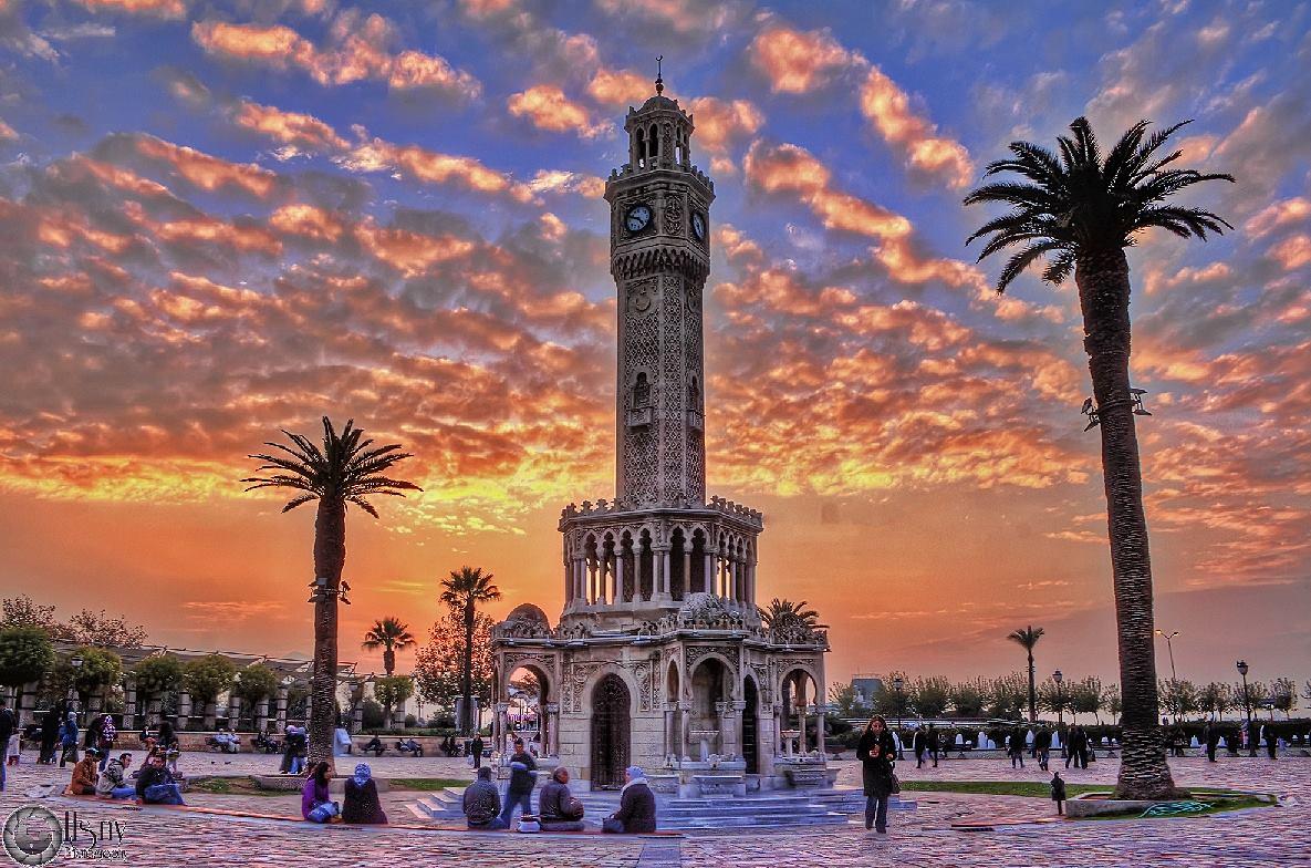 Башня с часами в Измире