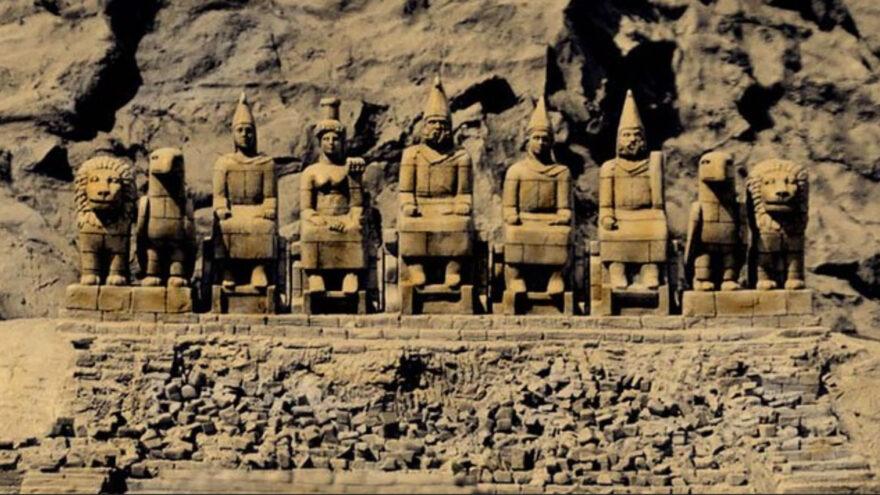 Визуализация пантеона на горе Немрут