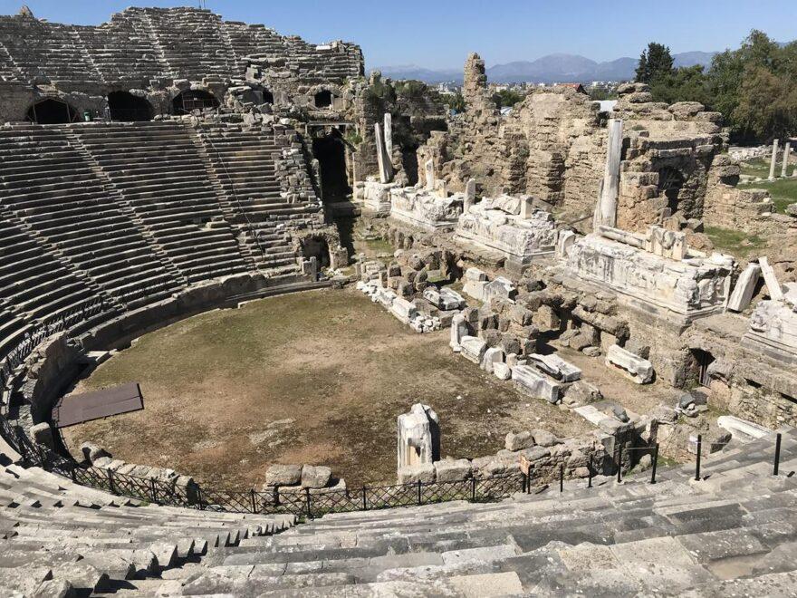 Древнеримский театр в Сиде