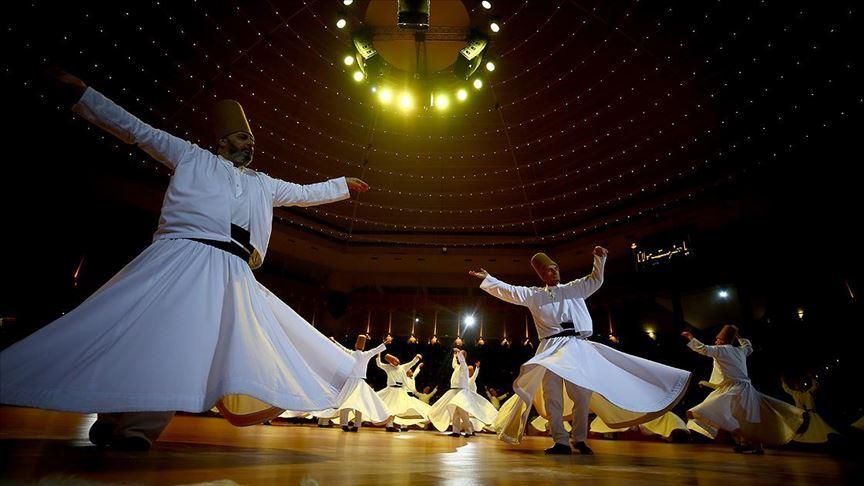 Фестиваль вращающихся дервишей в Конии